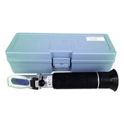 Refractometer with carring case 0-10 Brix Scale, includes case & sampler